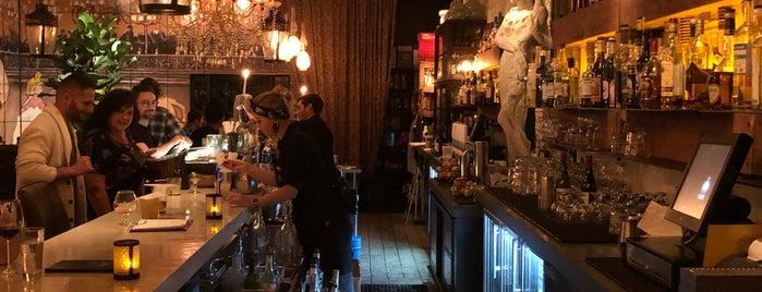 Cache Bar is one of Orte, die Sarah gefallen.