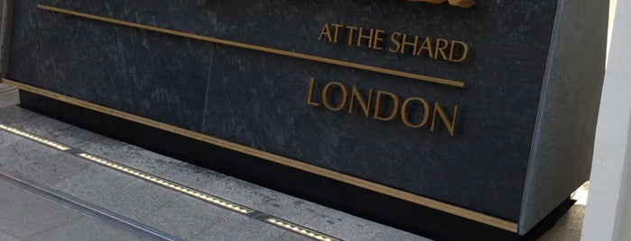 The Shangri-La Hotel is one of London لندن.