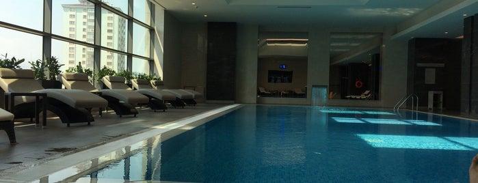 Raddison Blu Hotel Health Club Spa is one of CnnTravel'in Beğendiği Mekanlar.