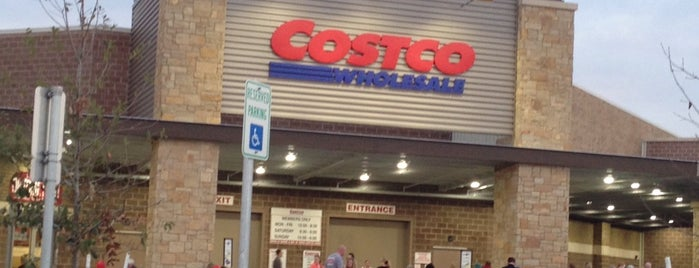 Costco is one of Samさんのお気に入りスポット.