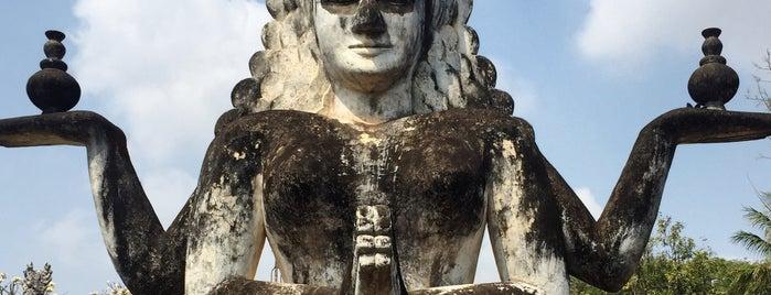 Wat Xieng Khuan / Buddha Park is one of Tempat yang Disukai Hui-ern.