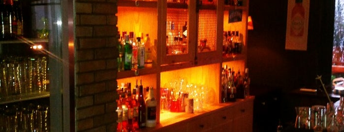 9Βήτα Home Bar is one of cafe bar.