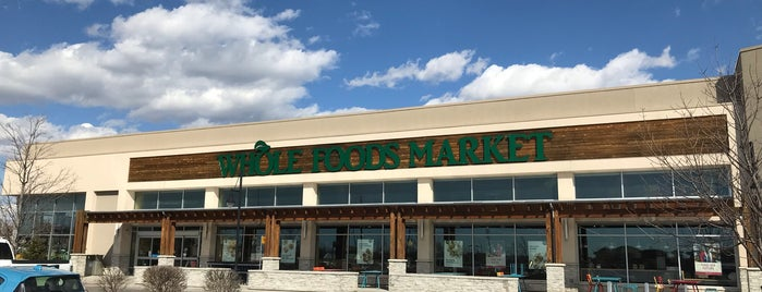 Whole Foods Market is one of Lugares favoritos de Stephen.
