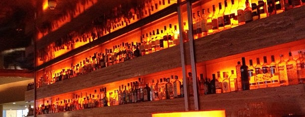 Harry's New York Bar is one of Good Bars.