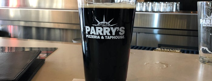 Parry's Pizzeria & Bar is one of Tempat yang Disukai Glenn.