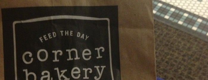 Corner Bakery Cafe is one of KATIE 님이 좋아한 장소.