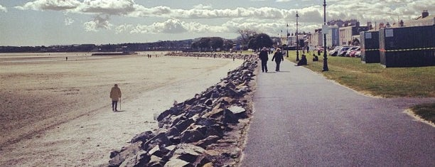Sandymount Promenade is one of Siobhanさんのお気に入りスポット.