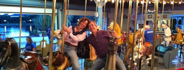 Eldridge Park Carousel is one of Jenさんの保存済みスポット.