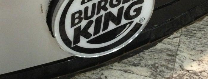 Burger King is one of Locais curtidos por Alan.