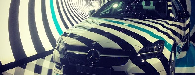Mercedes-Benz Gallery is one of Locais curtidos por Op Dr.