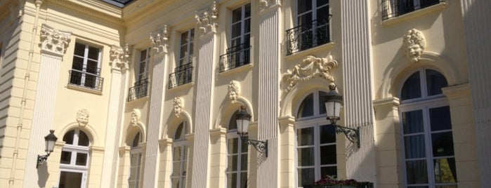 Châteauform' Le Domaine de Béhoust is one of Tempat yang Disukai Fred.