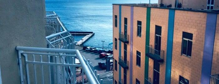 Park Hotel is one of Özgür Yaşar'ın Beğendiği Mekanlar.