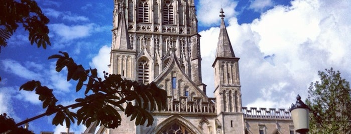 Gloucester Cathedral is one of Dat: сохраненные места.