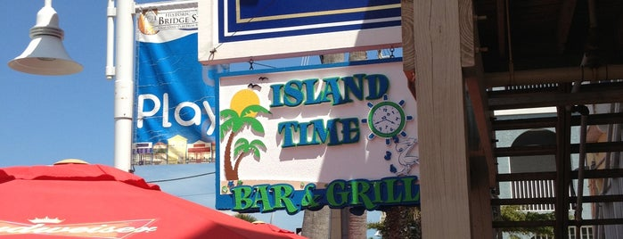 Island Time Bar And Grill is one of Posti che sono piaciuti a Fiona.
