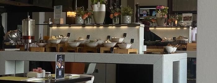 Sushi Centro is one of Tempat yang Disimpan Queen.