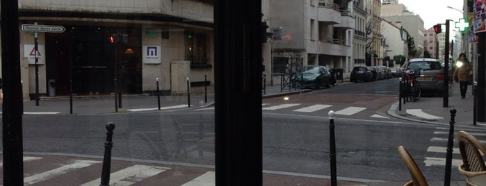 Rue De L'est is one of Space Invaders in Paris.