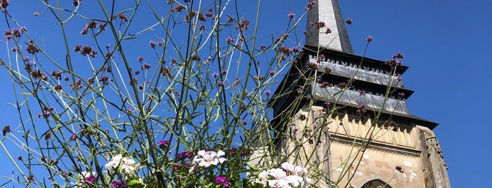 Notre-Dame De Neufchâtel-en-Bray is one of Maksimさんのお気に入りスポット.