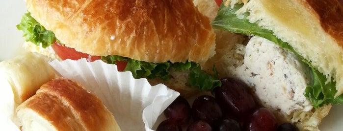 Cafe at Pharr - Westside is one of Lugares favoritos de PlayATL.