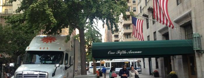 One Fifth Avenue is one of Orte, die Sara gefallen.