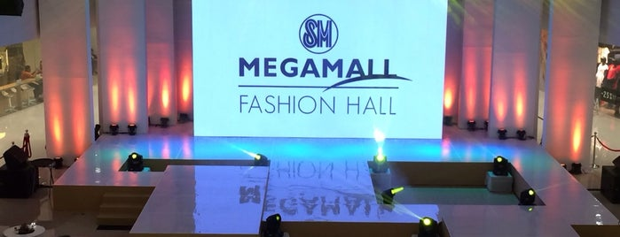Mega Fashion Hall (SM Megamall Bldg. D) is one of สถานที่ที่ angelit ถูกใจ.