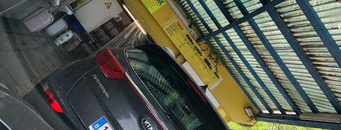 Car Wash Genève is one of สถานที่ที่ Geoffrey ถูกใจ.
