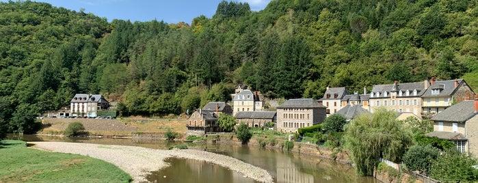 Estaing is one of Les plus beaux villages de France.