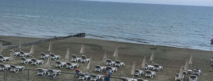 Costantiana Beach Hotel Apartments is one of Lieux qui ont plu à Leysan.