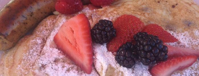 Fleur De Lis Bakery & Cafe is one of Posti che sono piaciuti a Susan.