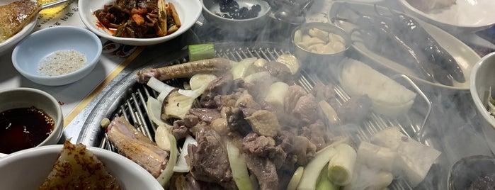 산골식당 is one of Local.
