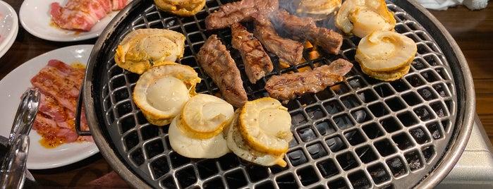 囘-MAWARI 河原町店 is one of Lugares favoritos de Shigeo.