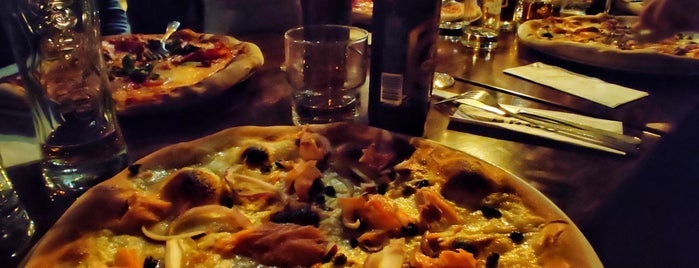 Broo Pizza & Bar is one of Posti salvati di Salla.