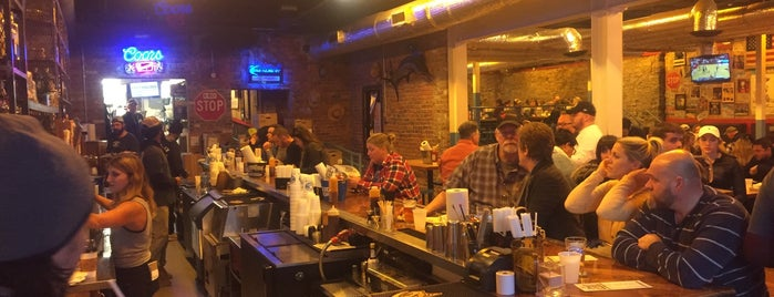 Martin's Bar-B-Que Joint is one of Orte, die Douglas gefallen.