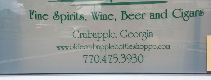 Olde Crabapple Bottle Shoppe is one of Lugares favoritos de Elena.