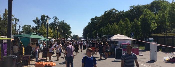 Street Food Festival is one of Orte, die Pawel gefallen.
