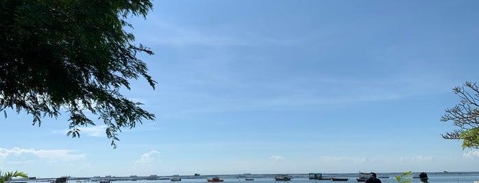 Balcony Seaside Si Racha Hotel is one of Orte, die Chaimongkol gefallen.