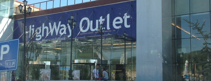 Highway Outlet is one of bulunduğum yerler.