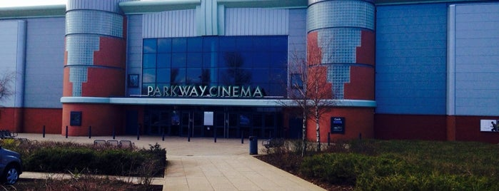 Parkway Cinema is one of Locais curtidos por Carl.