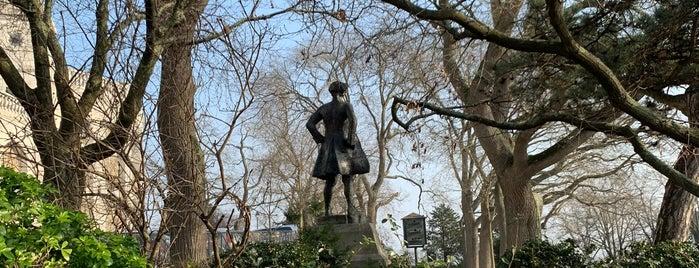 Square Nadar is one of paris marita.