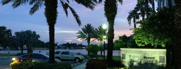 Microsoft Tampa is one of Tempat yang Disukai Nivine.