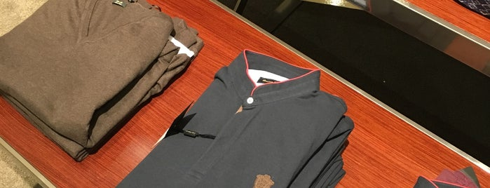 Massimo Dutti is one of ph.