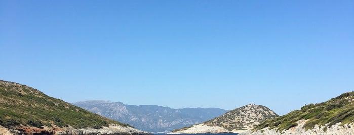 Livadaki Beach is one of Tempat yang Disimpan Gürkan.