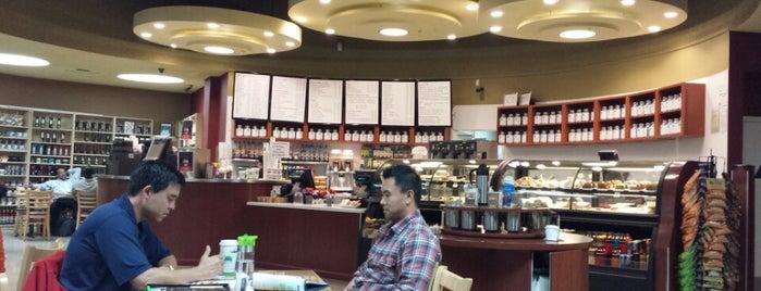 Suju's Coffee & Tea is one of Ryan : понравившиеся места.