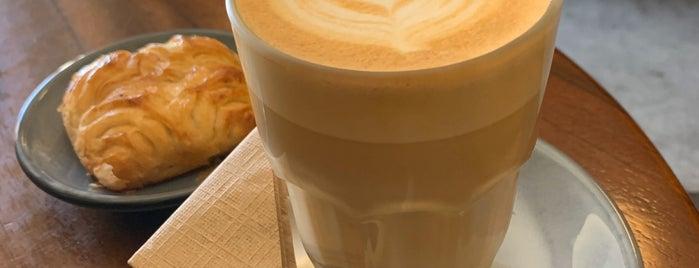 Muss Café is one of Locais curtidos por Jack.