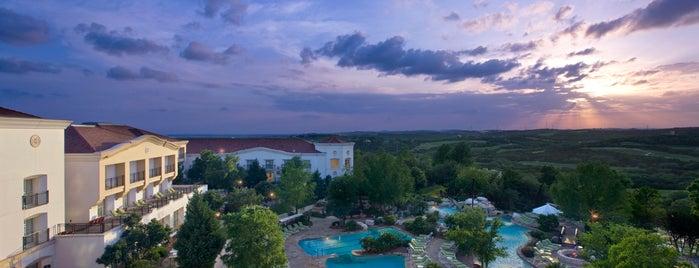 La Cantera Resort & Spa is one of Locais curtidos por Dianey.