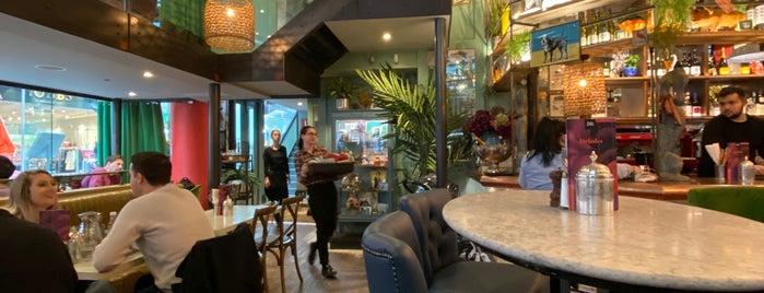 Bill's Restaurant is one of สถานที่ที่ Lewis ถูกใจ.