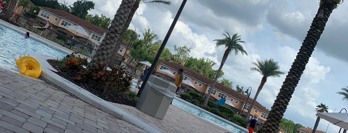 Intracoastal Yatch Club Pool Deck is one of Mary'ın Beğendiği Mekanlar.