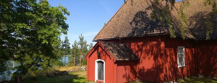 Houtskärs kyrka is one of Lieux qui ont plu à Tatjana.