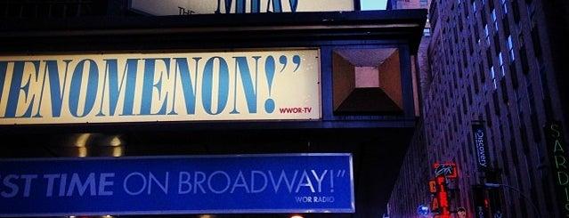 Broadhurst Theatre is one of Nova York.