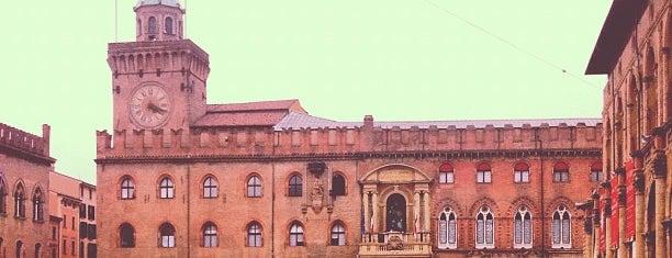 Piazza Maggiore is one of Top 100 Check-In Venues Italia.