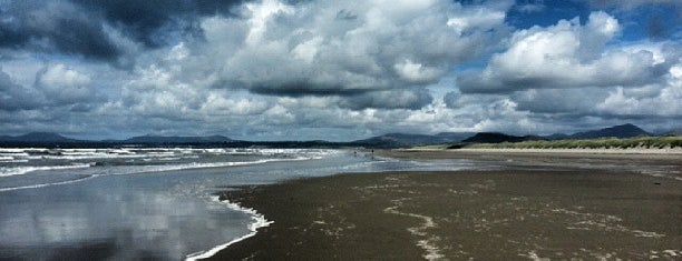 Harlech Beach is one of Beaches Near to Trawsfynydd Holiday Village.